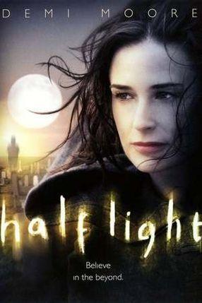 Poster: Half Light - Gefangen zwischen Licht und Schatten